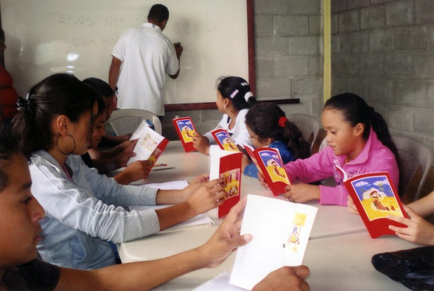 HONDURAS: 3000 Bibles and 3000 copies of the DOCAT for Pastoral Care and Evangelization